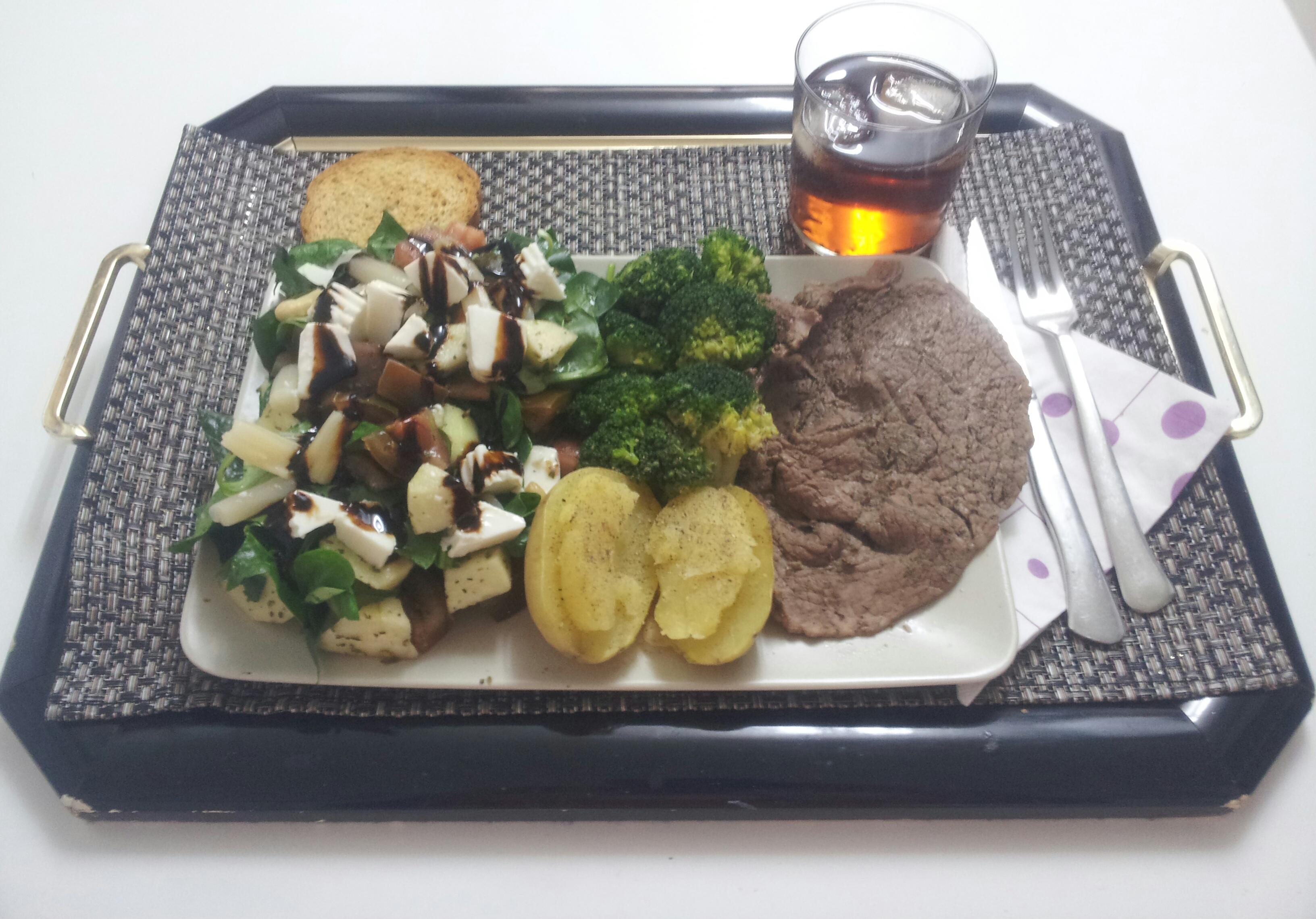 Recetas sanas, recetas saludables, recetas fitness, ensalada, ternera, brócoli, patata.