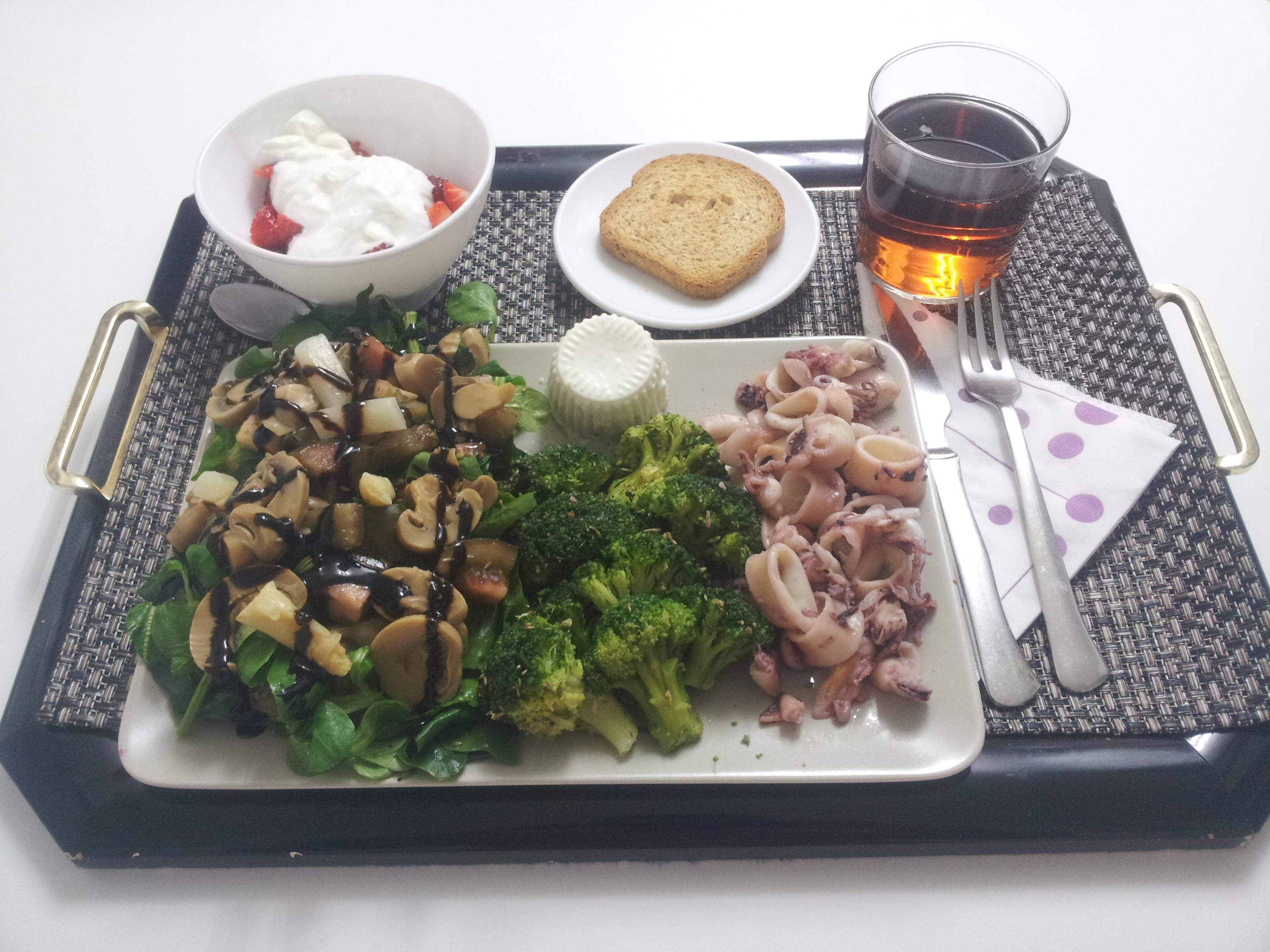 Recetas saludables, ensalada, brócoli, chipirones